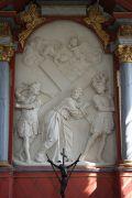 XIII. Station: Jesus nimmt das Kreuz auf seine Schultern.
