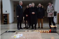 Weihbischof Zekorn besucht das Grab der Seligen